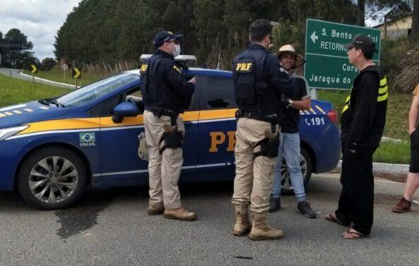 Caminhoneiros seguem com pontos de bloqueio em rodovias do Estado