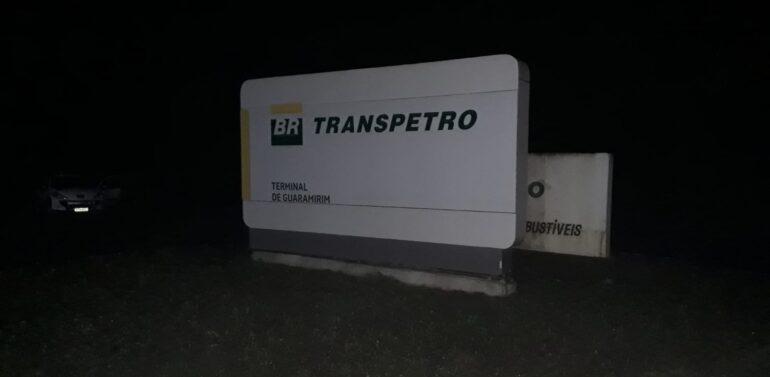 Caminhoneiros bloqueiam distribuidora de combustíveis em Guaramirim