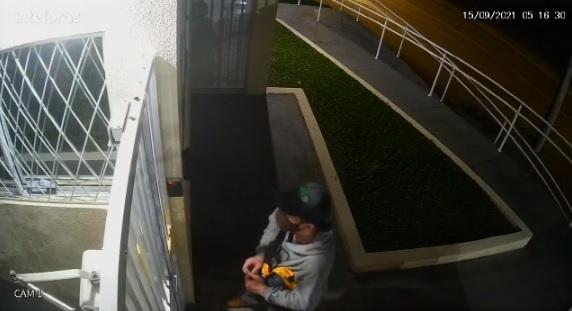 VÍDEO : Câmera registra furto de bicicleta no Boehmerwald