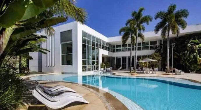Joinvilense compra mansão da Xuxa por R$ 45 milhões