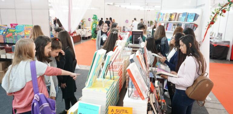 Confira as principais atrações da Feira do Livro de Joinville 2021