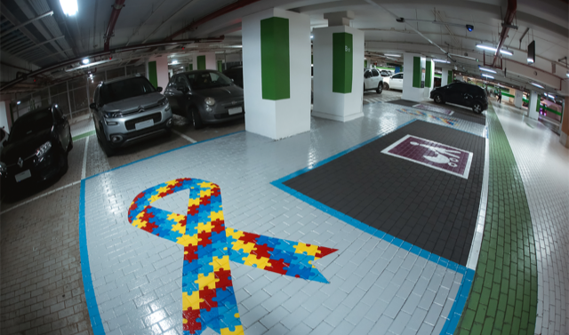 Garten capacita colaboradores para atendimento de pessoas autistas e surdas