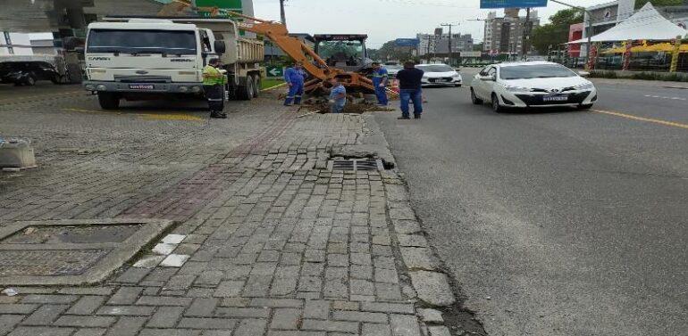 Obra interdita parcialmente a Avenida Marquês de Olinda