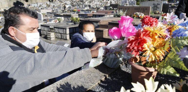 Prazo para limpeza das sepulturas nos cemitérios municipais termina neste domingo