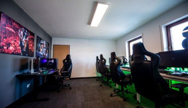 Joinville vira a casa de jogadores e criadores de conteúdos populares dos eSports
